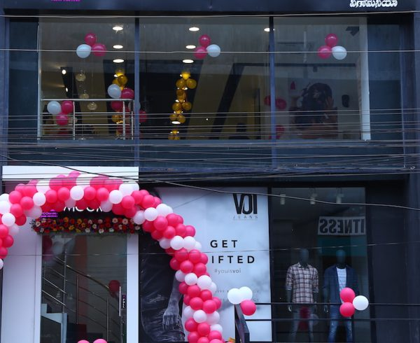 womhyd store front 2 th