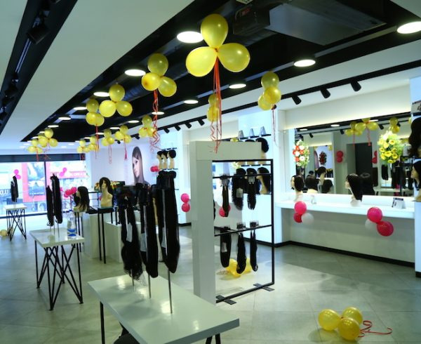 womhyd store inside 2 th
